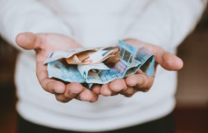 Das Geld in deinen Händen
